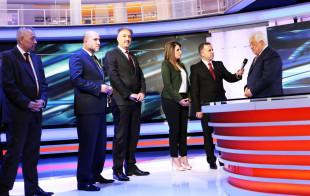 لمن يعمل تلفزيون فلسطين ؟!