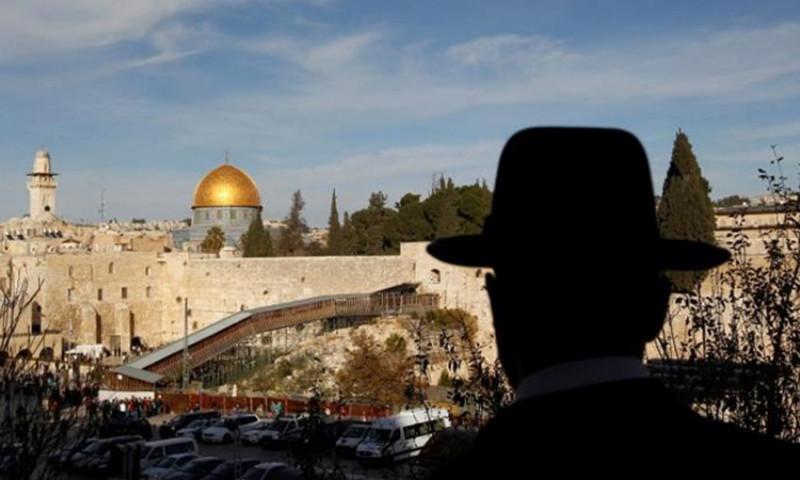 الشعبية: كل من تورط في بيع عقارات مقدسية للصهاينة سيدفع الثمن عاجلاً أم آجلاً