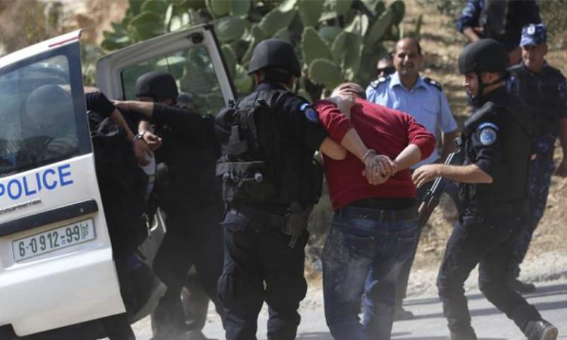 إلقاء القبض على عسكريين وتسليمهما للاستخبارات