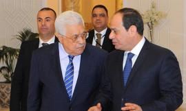 أبو مازن للقاهرة فهل يريد إيقاف المنحة القطرية لموظفي غزة؟