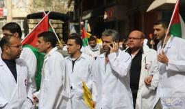 نقابة الأطباء تدخل الحراك بقوة وتعلن عن إضراب