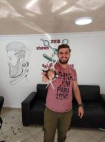 إلقاء زجاجة زيت محروق على منزل الكوافير/مهيمن  أبو علي
