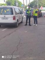 الشرطة توكل مهمة تحريك السير لمخالفي المرور .. ما القصة