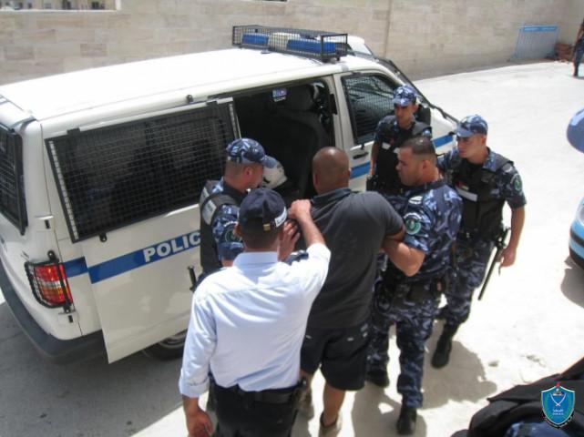 اعتداء ضابط وقائي على دورية شرطة