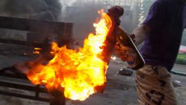 إلقاء زجاجات حارقة على أحد المواطنين في بلدة العبيدية