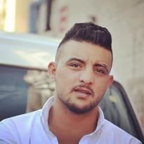 """"""" ما مات هما قتلوا ابني"""" هذا ما قاله والد المغدور للمواطن محمود الأعرج وهو يتجرع الألم وهو يحتبس الدمع !!"""