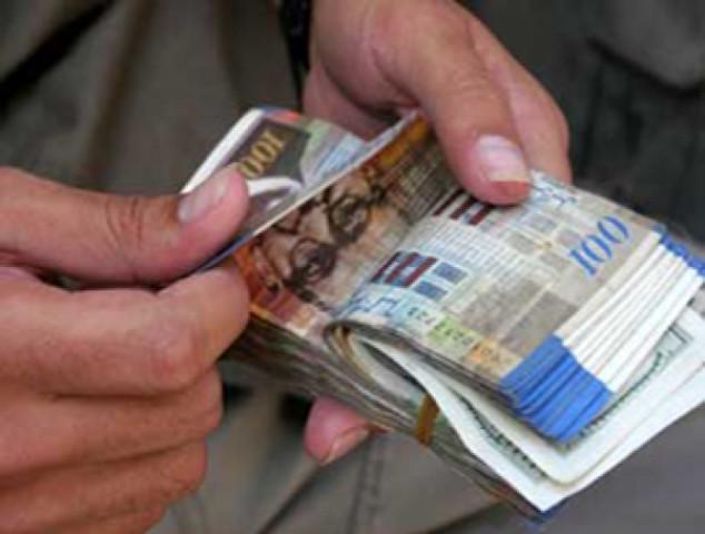 استخدام الرواتب في الترويج للانتخابات