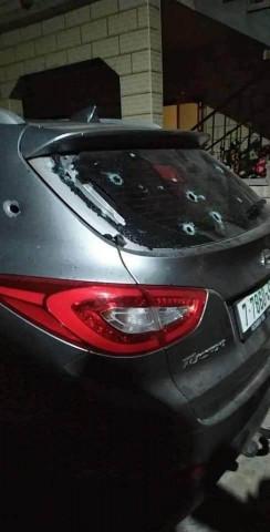 مجهولون يطلقون النار على مركبة في بلدة قفين شمال طولكرم ويلوذون بالفرار