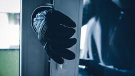مجهول يسرق منزل المواطن/مهدي حسين موسى الشنتير