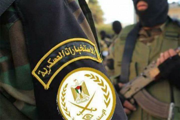 الضابط في الاستخبارات العسكرية/ ثائر عبد المهدي نضال المظلوم يقوم باطلاق النار
