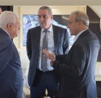 """أحد أعضاء المركزية :""""ماجد وحسين يقودا عباس كدمية، ومسمى الرئيس أصبح رمزياً"""""""