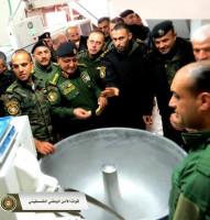 غير متفرغين للصوص وحفظ الأمن ، لكنهم تفرغوا لزيارة المخابز والطعام