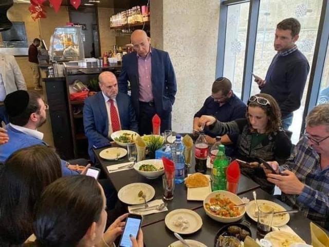 التقى قاضي قضاة فلسطين مع اسرائيليين أمس