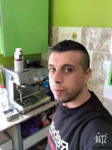 اطلاق نار على مخبز المواطن/ سمحان خليل ياسين