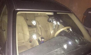 سيارة محمود أنور حرزالله تتعرض لاطلاق نار من قبل مجهولين