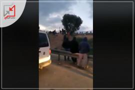 في زمن الكورونا :مواطنون فلسطينيون يدخلون فلسطين المحتلة تهريباً للبحث عن لقمة العيش.