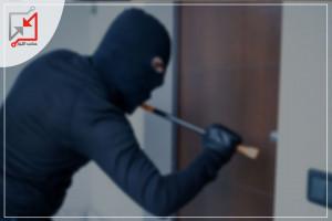 مجهولون يسرقون المدرسة الفرنسية بالبلدة القديمة في الخليل