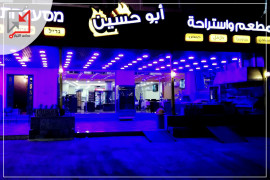 مسلحون قاموا بسرقة مطعم واستراحة ابو حسين نجوم