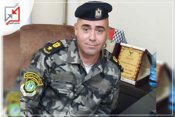 المقدم في جهاز المخابرات العامة/ سهيل عدنان استيتة يعتدي على مواطن وأمه
