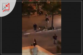 الأجهزة الأمنية تعتدي على المواطنين بهمجية  وتطردهم إلى البيوت في القدس منطقة العيزرية وأبو ديس