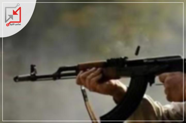 الهلال الأحمر: إصابة شاب رميًا بالرصاص في قدميه خلال شجار عائلي داخل مخيم شعفاط شمال شرق القدس المحتلة.