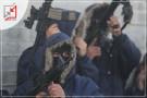 بالفيديو .. مسلحون يطلقون النار بكثافة امام البنوك ويلقون بيانات ثورية رداً على إغلاق البنوك حسابات الاسرى وخضوعهم لقرار الحاكم العسكري  .
