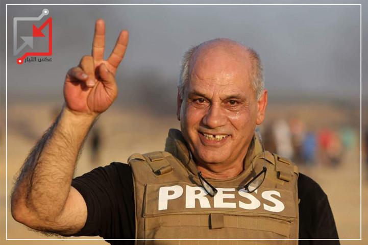 الصحفي/ إياد حماد يقيم خيمة أمام مقر الرئيس في بيت لحم للمطالبة بوقف سياسة محاربة الصحفيين