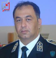عميد في الشرطة بعد تناوله لوجبة الطعام يقوم بسجن صاحب المطعم