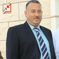 ايقاف موظف وتعيين ابن اخ عزام الأحمد بدلا عنه