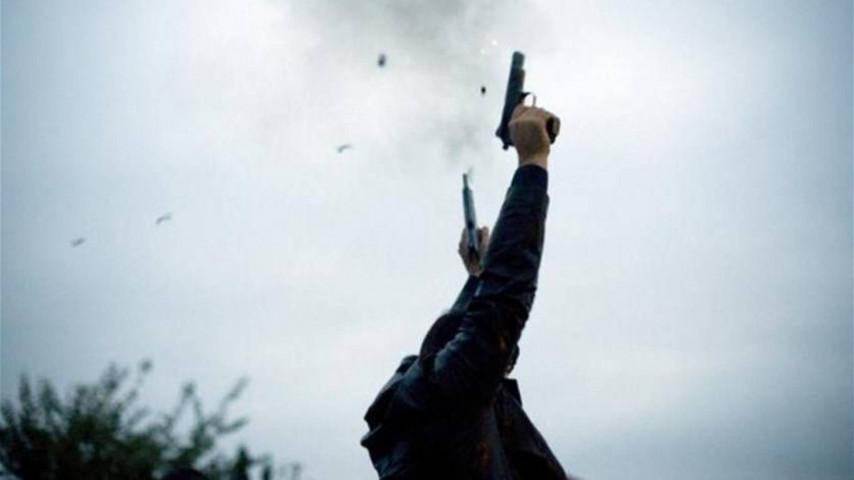 عسكري من الارض الوقائي يروع المواطنين بعد اطلاق النار في الهواء بجنين