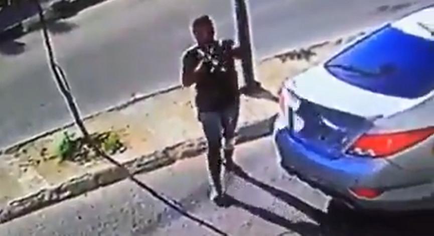 مسلحون يطلقون النار على محل حلويات في مدينة جنين