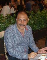 رئيس الجالية الفلسطينية في دبي وأمين سر الحركة يسهر في الملاهي الليلية يوم التطبيع الاماراتي