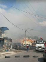 حرق محل المفروشات الذي يعود للمواطن الذي أهان وضرب أحد عماله