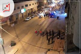 الأجهزة الامنية تعتدي على المحتجين في قباطية وتطلق الغاز المسيل للدموع .