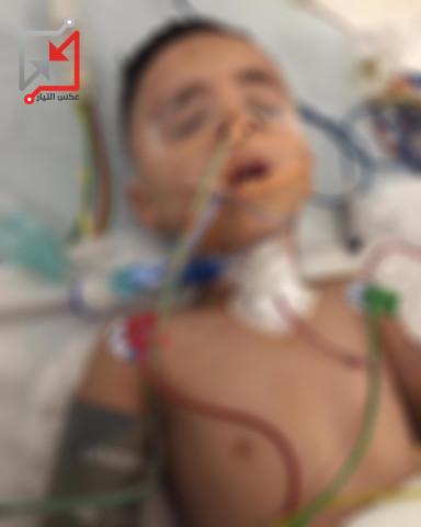 أحد الأطفال من عائلة أبو صالح بدخل العناية المكثفة بعد أن اطلق النار عليه