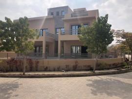 مجهولون يطلقون النار على منزل المواطن/ خليل أبو حاشية في منطقة نابلس الجديدة