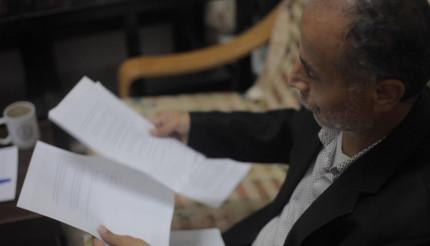 وثائق) كيف تحولت حياة الدكتور رائد عواشرة إلى جحيم بسبب عدد من ضباط الشرطة في رام الله؟