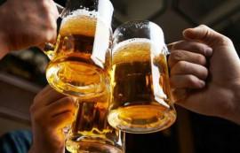 شبان قاموا بالقاء زجاجات حارقة على محليين لبيع الخمور