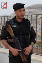 مجهولون يعتدون على الضابط في الشرطة محمد حنون وسط نابلس