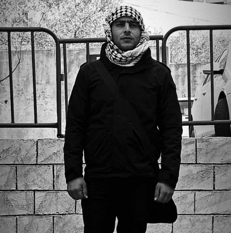 العسكري في إدارة الحراسات/ معتصم الأقرع يعتدي على رئيس بلدية نابلس