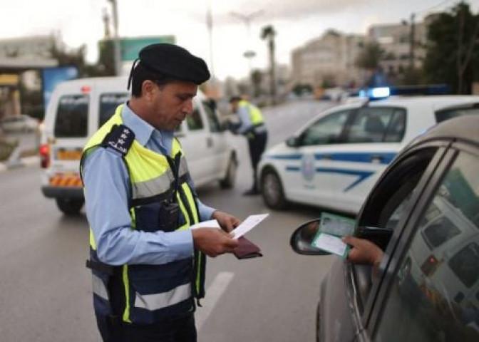 الضابط في الأجهزة الأمنية/ أحمد مصطفى يعتدي على أحد عناصر شرطة المرور