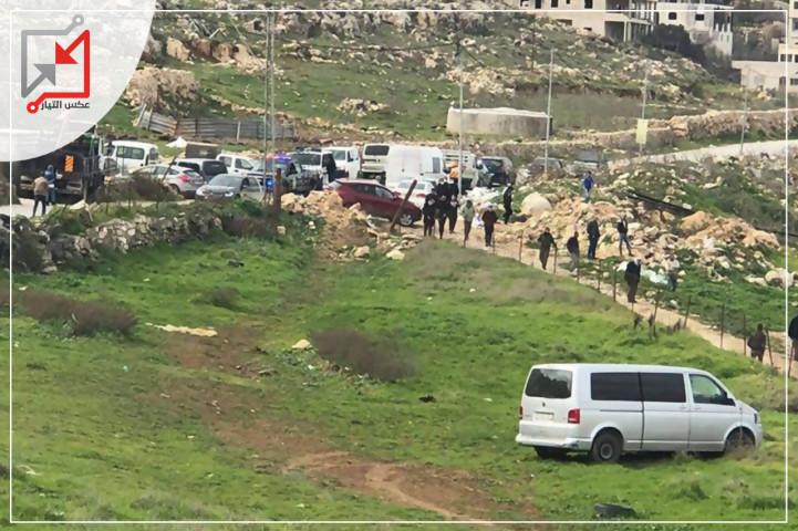 نقل 3 اصابات بشجار عائلي بسبب خلاف على قطعة أرض في منطقة عين ننقر  .