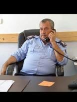 اصابه الرائد اديب دنوف  بجروح بعد أن قام مواطن باقتحام حاجز للشرطه في بلده اليامون