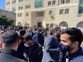 اعتصام للمطالبة برحيل المجلس الانتقالي والغاء القرارات التي اصدرها محمود عباس