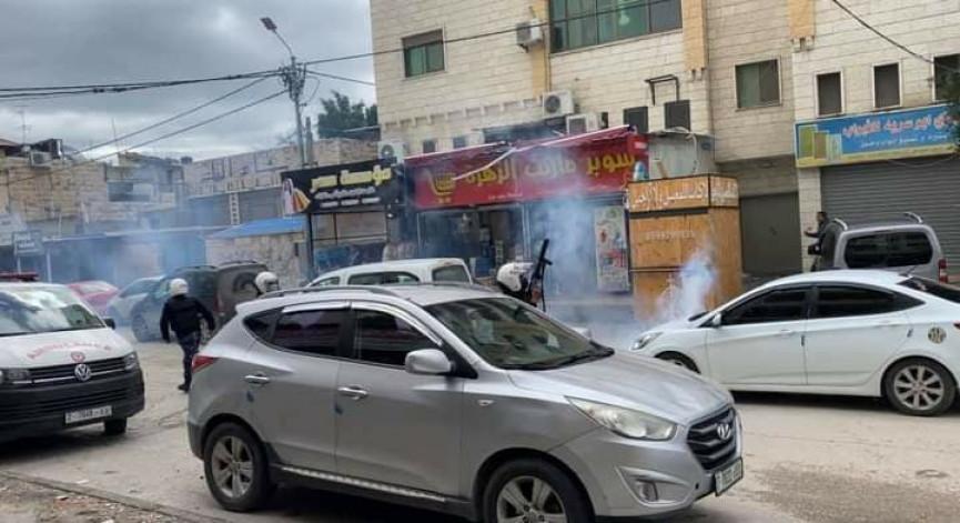 مناوشـات بين الأجهزة الأمنية وطلبة الثانوية العامة عقب قمع وقفة احتجاجية