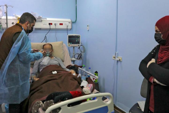 تفاصيل مؤلمة .. بالصوت مرضى كورونا يصرخون ويستغيثون بعد انقطاع الأكسجين عنهم بمستشفيات الضفة وأهالي الضحايا يشكون الإهمال فيما الصحة تنفي!
