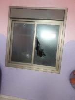 صور بعد إطلاق على بعض منازل المواطنين، و استهداف المنازل بالرصاص اثناء  الشجار العائلي بالمنطقة الجنوبية.