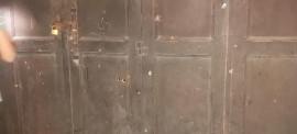 مجهولون يطلقون النار على محلات لعائلة اقنيبي  و منزل محامي في الخليل