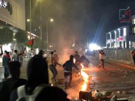 أجهزة أمن السلطة في رام الله تقمع الشبان وتطلق عليهم قنابل الصوت والغاز