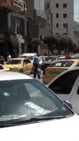 ماهر أبو حلاوة المسؤول الاول عن اغتيال الناشط #نزار_بنات يتجول في شوارع مدينة الخليل